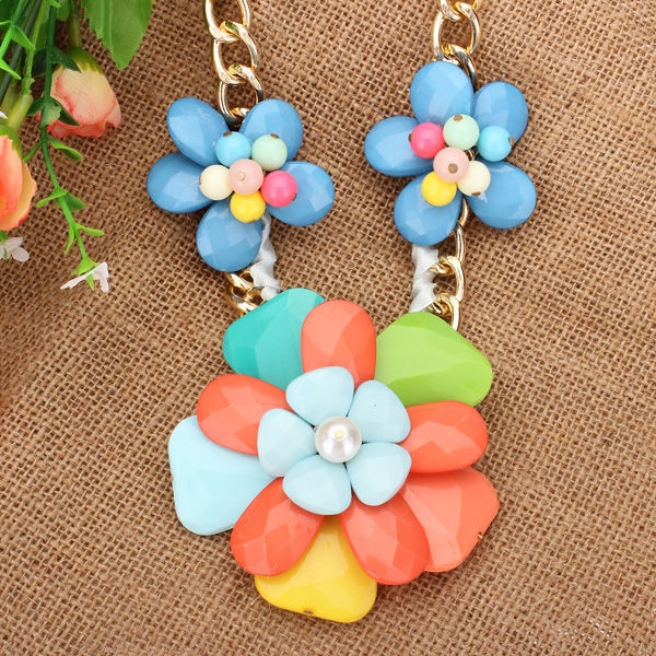 Beads Flower Statement Necklace