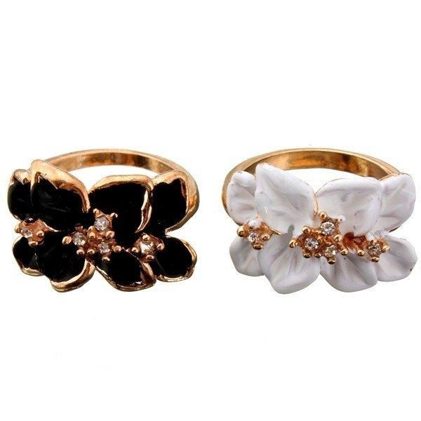 Crystal Enamel Flower Ring