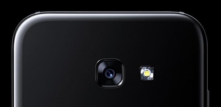 Samsung Galaxy A7 (2017) Front Camera