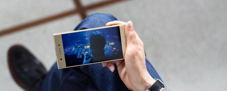 Sony Xperia XA1 Plus Screen