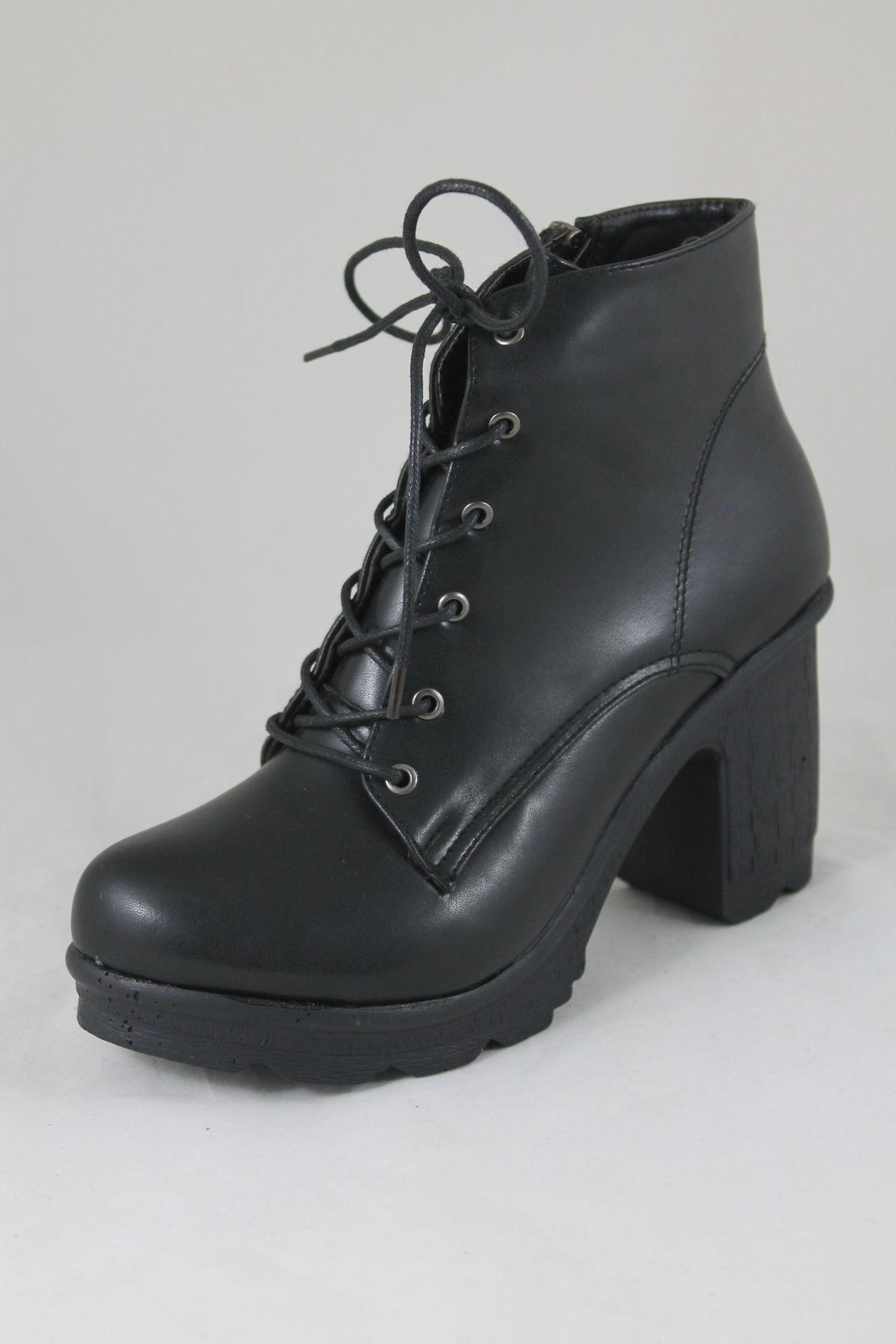 da4575b17581a سعر Shoebox حذاء كلاسيك بكعب عالي جلد - اسود فى مصر