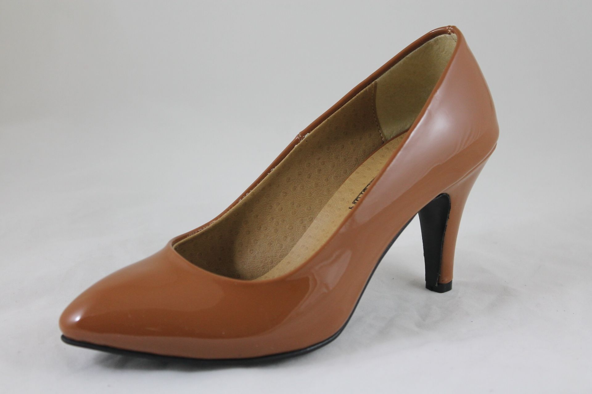 33c3f73d6173a سعر Shoebox حذاء كلاسيك بكعب عالي جلد فيرنية - هافان فى مصر