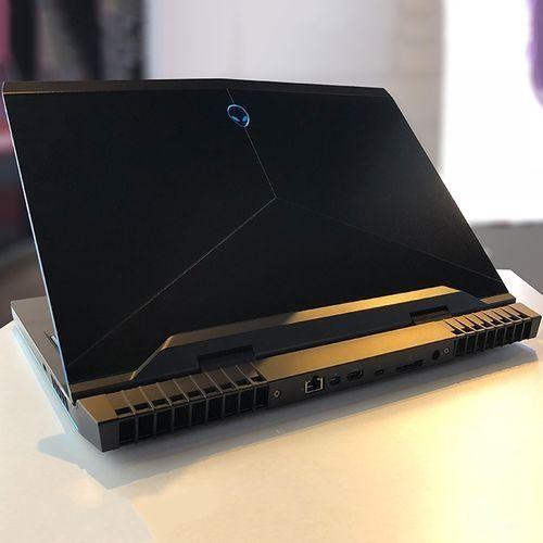 DELL Alienware 17 R5 لاب توب ألعاب - انتل كور I9 - رام 16 جيجا - هارد 1 تيرا - SSD 512 جيجا - 17.3 بوصة FHD - مُعالج رسومات 8 جيجا - Windows 10 - أسود - لوحة مفاتيح باللغة الإنجليزية