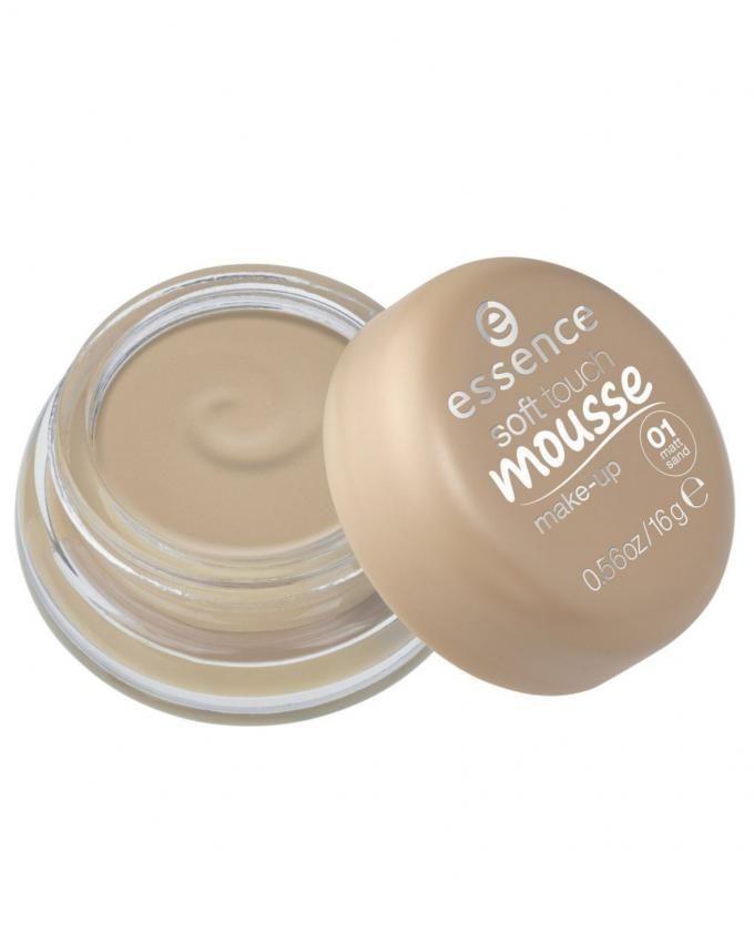 Soft Touch Mousse Foundation - 01 Matt Sand
